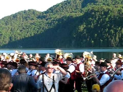Gemeinschaftschor nach Sternmarsch Weißensee 2010-1