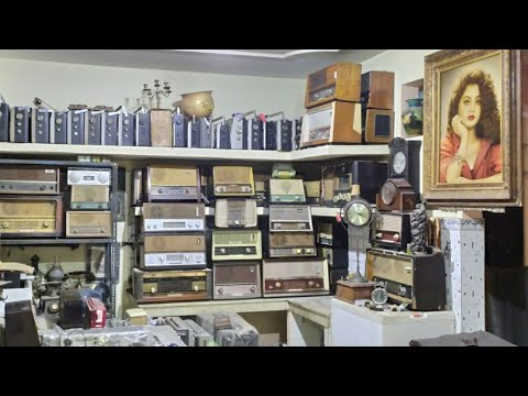 Vinyl, valve radio,boombox,wallclock, paintings, dailer telephone, antiques,(shantishop)