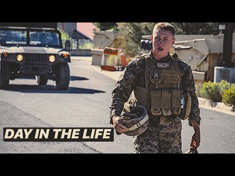 DAY IN THE LIFE ACTIVE DUTY U.S. MARINE | Full Day Of Eating