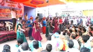 Chhattisgarhi Holi Faag Geet Gayan Folk Dance and Song by Beautiful Girls and People of C.G.