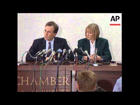 UK : LISA LEESON AND LAWYER STEPHEN POLLARD PRESS CONFERENCE
