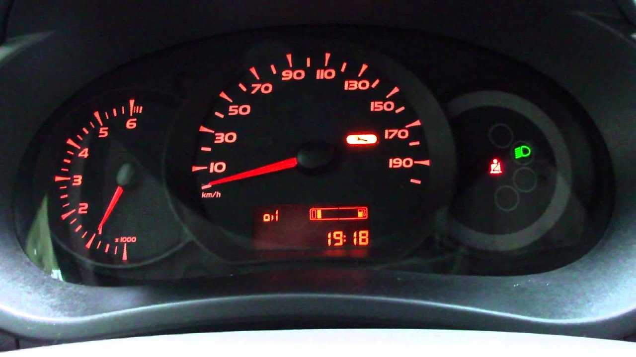 Renault Kangoo 1 5 Dci Low Oil Check Youtube