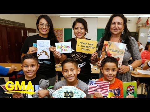 Ron Verb - #GoodNews: People Send Postcards To Students In El Paso