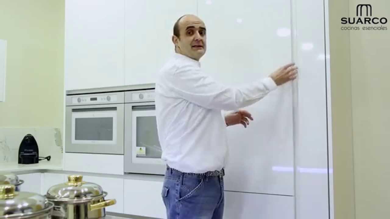 Video cocinas con tirador gola que es un tirador gola - Tiradores puertas de cocina ...