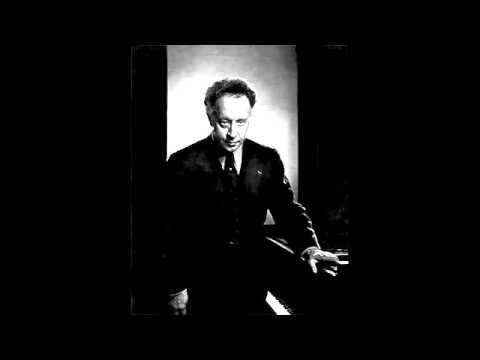 Rubinstein plays three encores, live 1949, Hollywood  Bowl