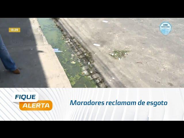 Moradores reclamam de esgoto na Avenida xavier de Brito, no bairro do Prado