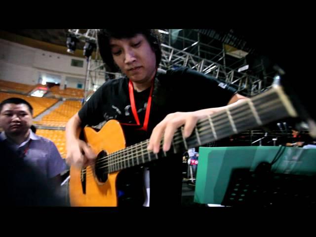 范范的吉他手家宏超猛的solo.......