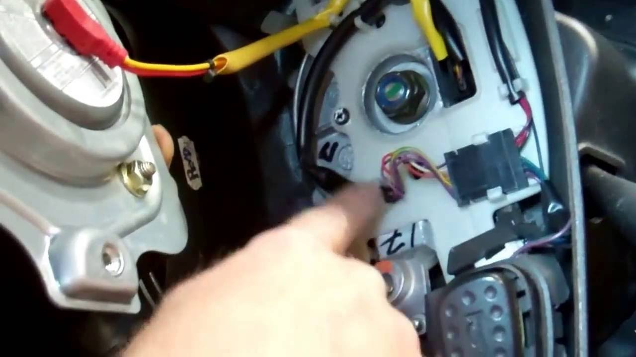 how to remove steering wheel airbag from land rover discovery 2 youtube [ 1280 x 720 Pixel ]