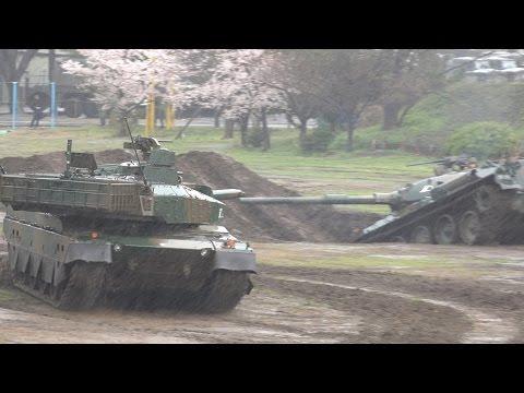 【10式・74式 新旧戦車の対決!!】 戦車機動展示 平成29年度 第1師団創立55周年・練馬駐屯地創立66周年記念行事