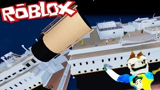 SPLITS THE BOAT AND WE SINK PART 2 | SURVIVE TITANIC | ROBLOX