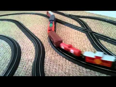 V21 Double crossover layout with 5 trains running - YouTube