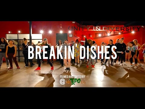 "Rihanna - ""Breakin' Dishes"" 