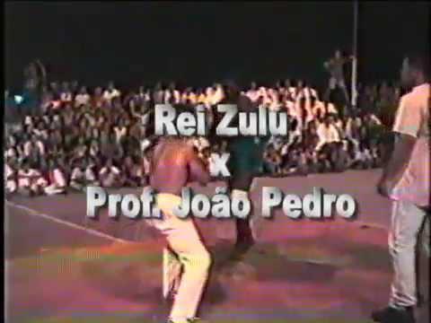 Rei Zulú x Prof. João Pedro