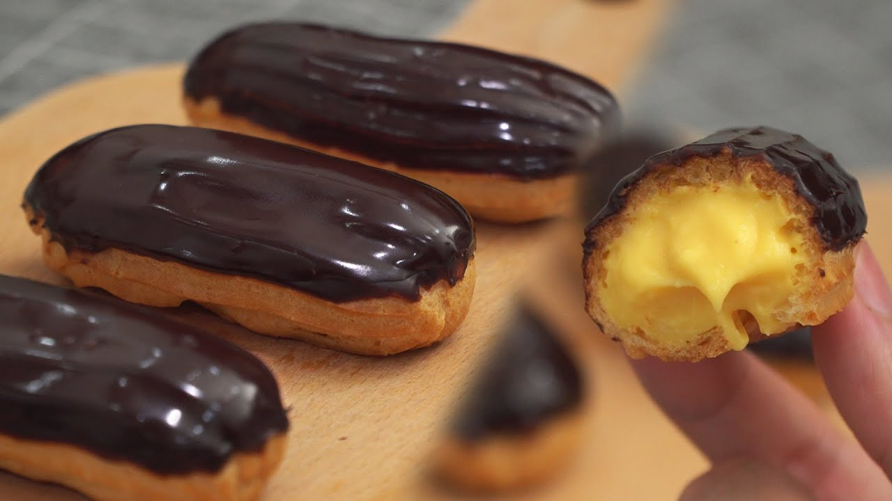 Vanilla Chocolate Eclair