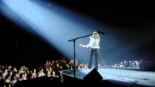 Watch Queen Guitar Solo Live video