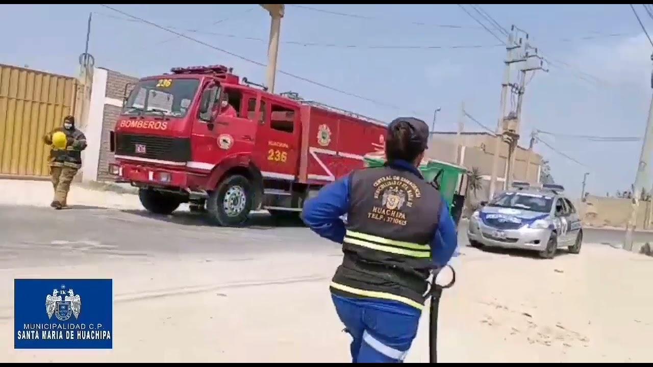 Bomberos y policías acuden accidente de tránsito