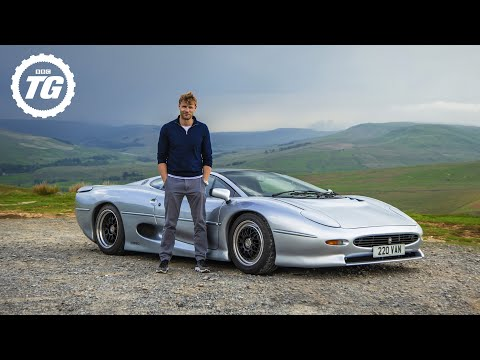Doing 200mph in a 30-year old Jaguar XJ220 | Top Gear: Series 29