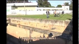 Carro cai no Rio Arrudas durante a madrugada  e mata duas pessoas no Bairro Gameleira