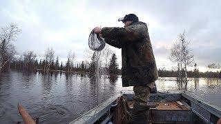 Ставим сети в затопленном лесу Поиск места по большой воде