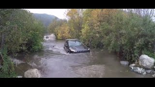 Jeep Cherokee Trailhawk Fording DEEP Water - 3 FEET: WININING + Obstacles