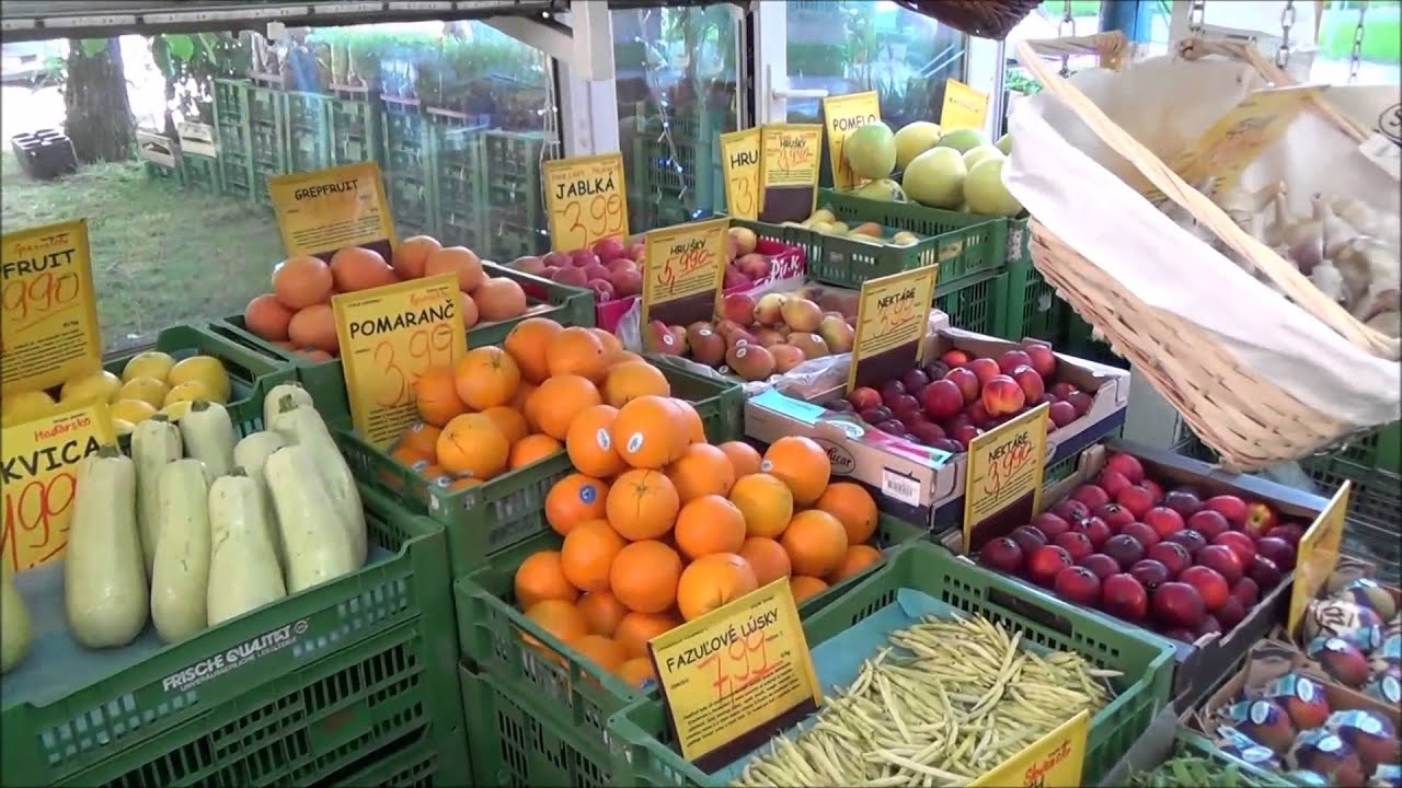 Fruit vegetable store bratislava greengrocer food shop for Cuisine store