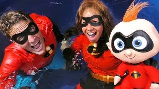 The Incredibles 2 Dunk Tank Toy Challenge Elastigirl Vs. Mr Incredible !  || Toy Review || Konas2002