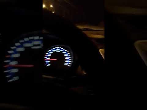 araba sürerken yüksek sesle müzik