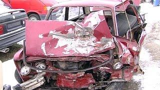 У ДТП на Коломийщині загинув водій автомобіля, пасажирка в реанімації(ДТП на Коломийщині. 18 січня на дорозі між Замулинцями та Матеївцями зіткнулися дві автівки. В результаті..., 2016-01-19T11:26:58.000Z)