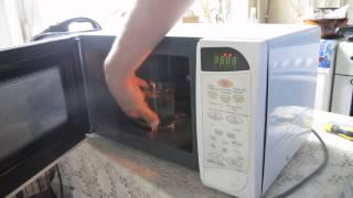 Ремонтируем микроволновку Samsung(Ремонтируем микроволновку Samsung PG831R Repair microwave Samsung PG831R Ещё видео по ремонту микроволновки: ..., 2014-08-03T18:28:58.000Z)