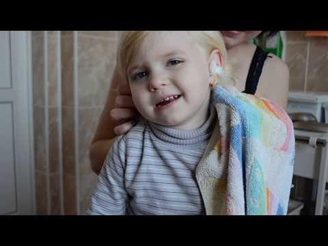 Промывание уха у детей. Как удалить серную пробку у ребёнка.