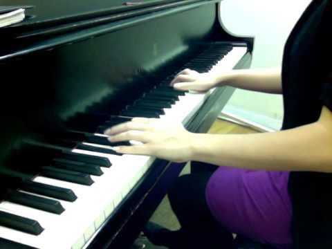 Amani Utupe (piano)