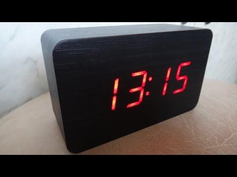 Как установить электронные часы настольные