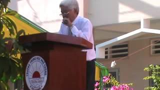 Thầy Hiệu trưởng Bùi Văn Thao phát biểu tổng kết năm học