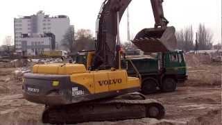 """Koparka Volvo w akcji ☆ 3 """"łyżeczki"""" i wywrotka pełna ᴴᴰ"""