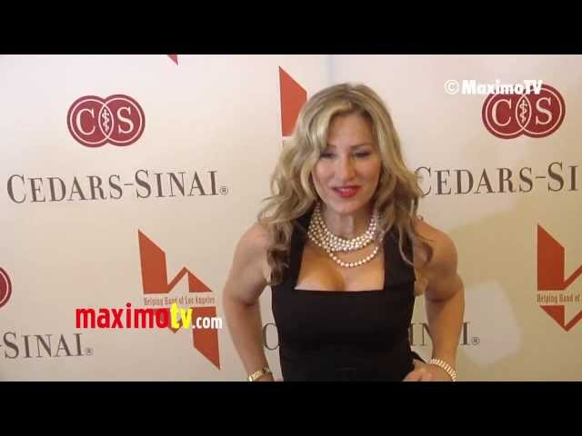 Lisa Ann Walter at 84th Anniversary Mother's Day Luncheon Arrivals @lisaannwalter Travel Video