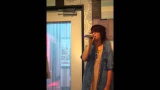 2012/8/22 カラオケにて。かにちゃんが見切れてしまった(´;ω;`)!!