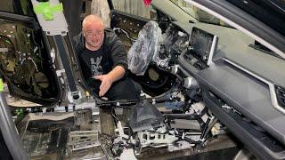 Новый Toyota Rav4 2021 за 2 млн рублей - Мы разобрали его