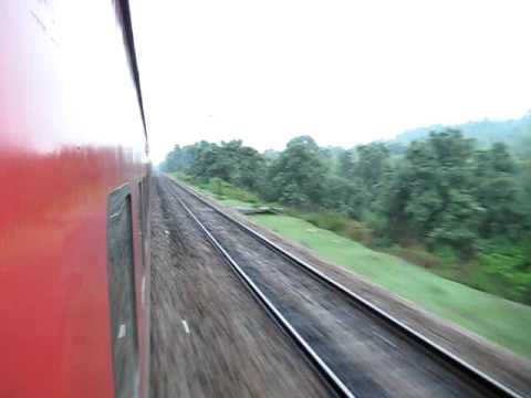 Sealdah Rajdhani Heads Towards Koderma at High Speed