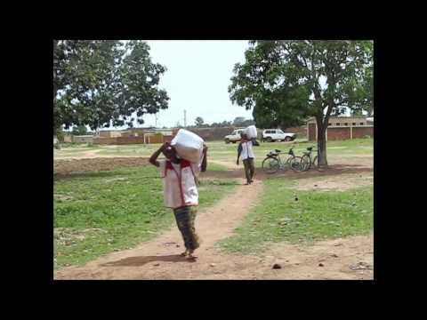 Burkina Faso, Diedougou: Bednet distribution