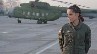 Gospodarica srpskog neba: Anja Krneta je jedina žena pilot u Vojsci Srbije