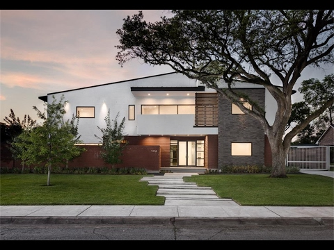 mc2-architects-presents:-modern-home-in-the-heart-of-the-galleria