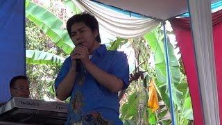 Meggy Z - Benang Biru (Live by Rio)