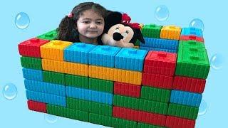 ELİF ÖYKÜ'YE RENKLİ LEGOLARDAN OYUNCAK KUTUSU YAPTIK - Elif Öykü a made Toy Box Fun Kid Vİdeo