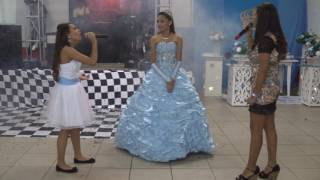 """larissa Chaves com sua back vocal Graziele   """"Aos Olhos do Pai"""" (cover)"""