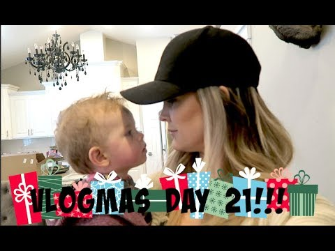 What Are You Wearing?!! VLOGMAS DAY 21!!!