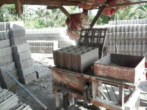 The Concret Block Machine - what a way to make a buck - Life in the  Philippines