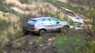 Прохождение по бездорожью BMW Х5(Прохождение по бездорожью и грязи BMW Х5., 2013-03-29T00:51:41.000Z)