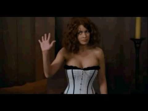 Faris Humiliated By Nude Scene Contactmusiccom