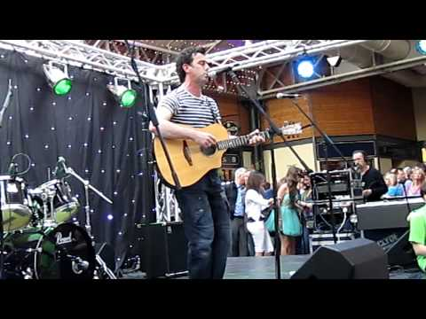 Mickey Harte - Bordertown, performance at Donegal live !
