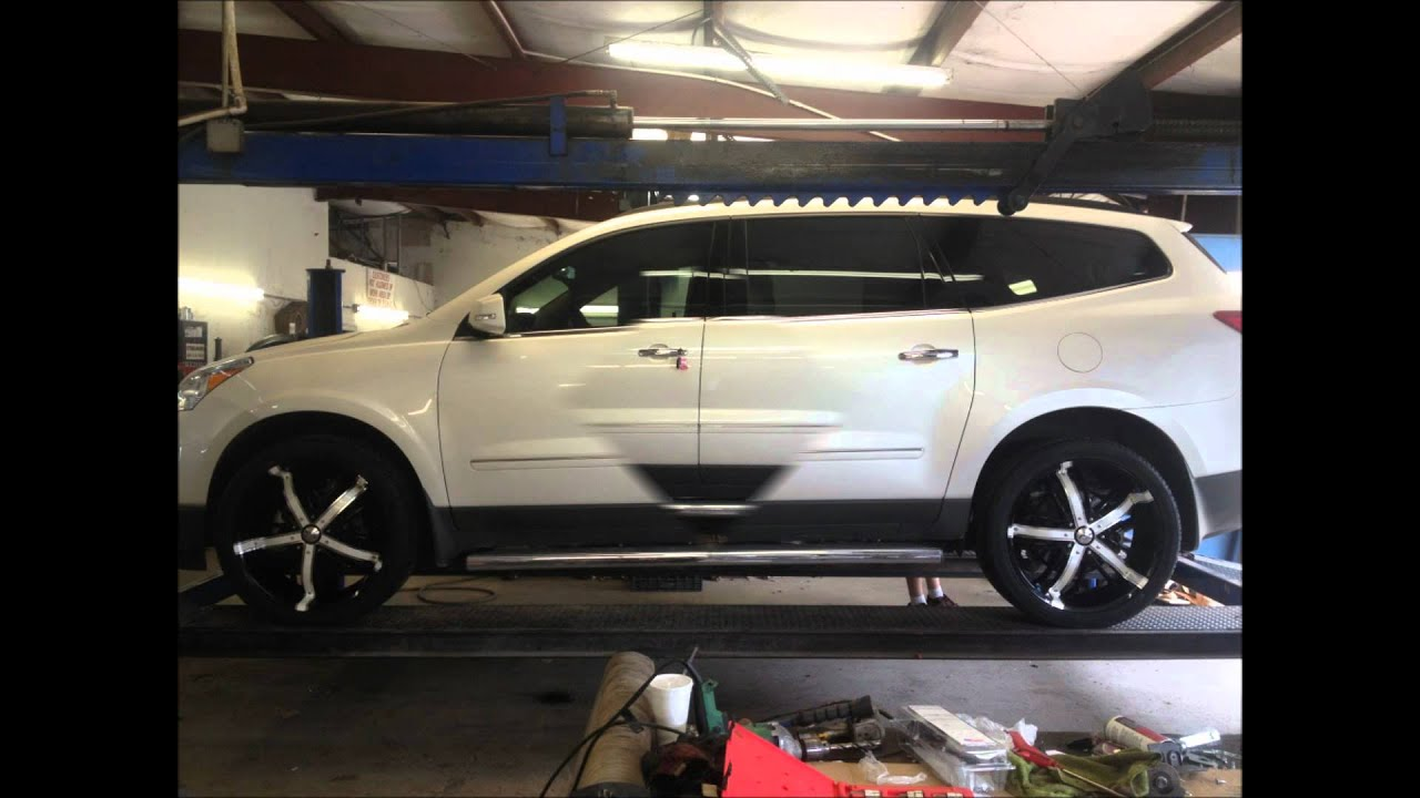 2012 traverse LTZ on 22 inch BZO fortune rims - YouTube